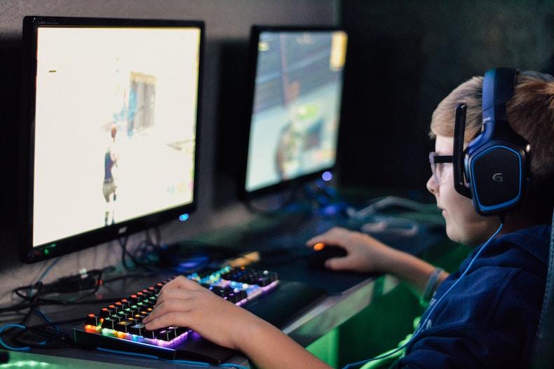 Child gaming.